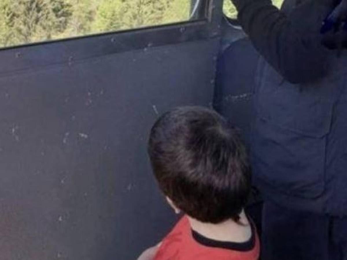 Eitan, intesa tra le famiglie: per ora rimane in Israele